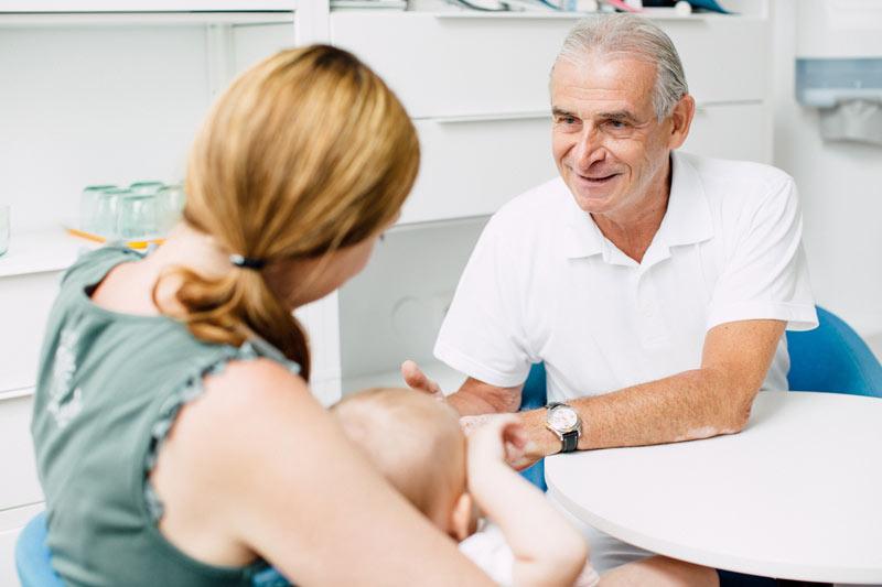 OA. Dr. Johannes Altenhuber ist Spezialist im medizischen Bereich der Kinder und Säuglingsorthopädie