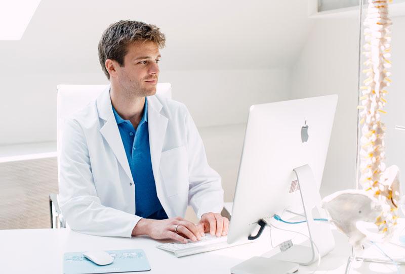 Knie- und Hüftendoprothetik durch Facharzt Dr. Lukas Hold