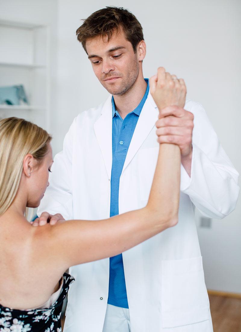 Facharzt Dr. Lukas Hold - rasche Hilfe bei Sportverletzungen