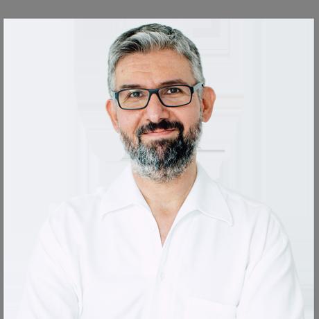 OA Dr. Fernas Amir ist ärztlicher Leiter im zentrum für interventionelle schmerztherapie im medsyn, 1190 Wien