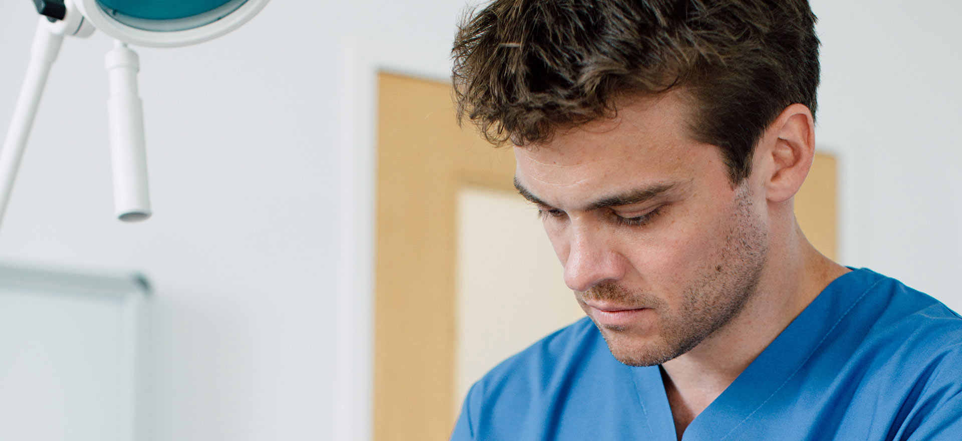 Unfallchirurg Dr. Lukas Hold