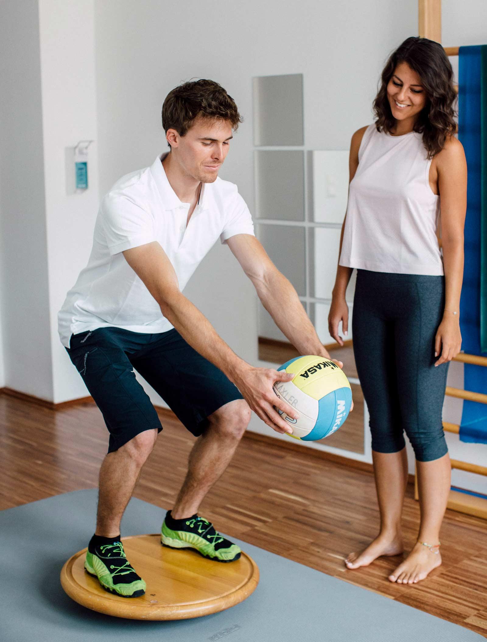 Tiefenstabilisation, Trainingstherapie und Betreuung bei der Rückkehr in den Sport