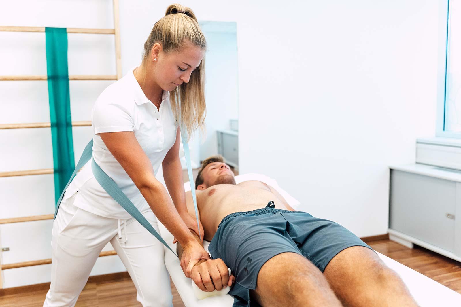 Tiefenstabilisation (Physiotherapie) mit Livia Tasch, BSc. im medsyn Wien