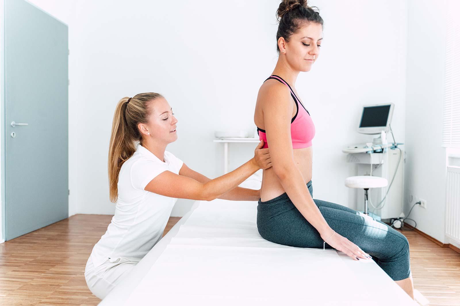 Akuter Rückenschmerz, effektive Behandlung durch Livia Tasch BSc. im medsyn ärzte- und therapiezentrum Wien