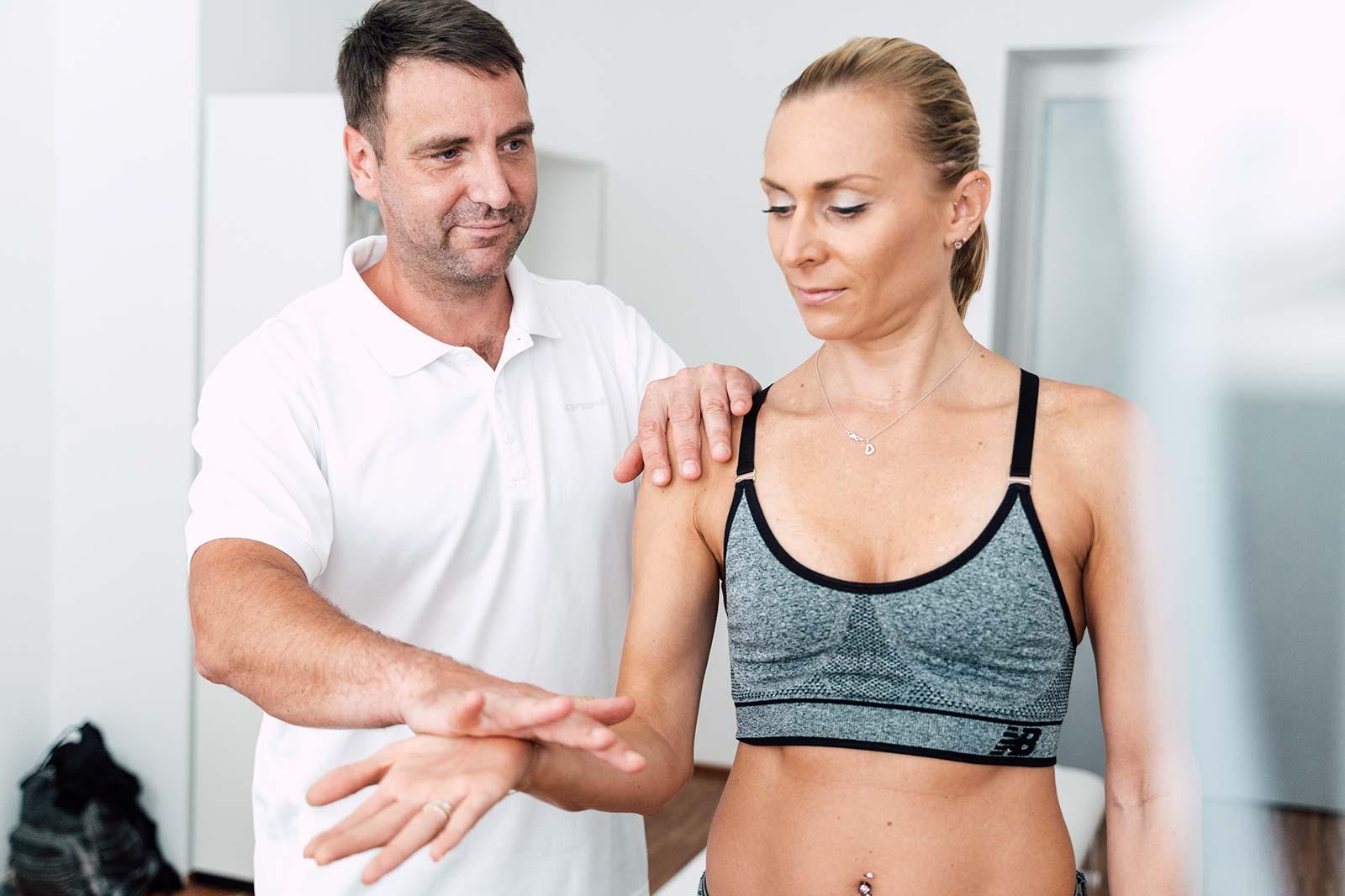 Konservative Behandlung der Schulter durch OA Dr. Dominik Meraner im medsyn, Wien
