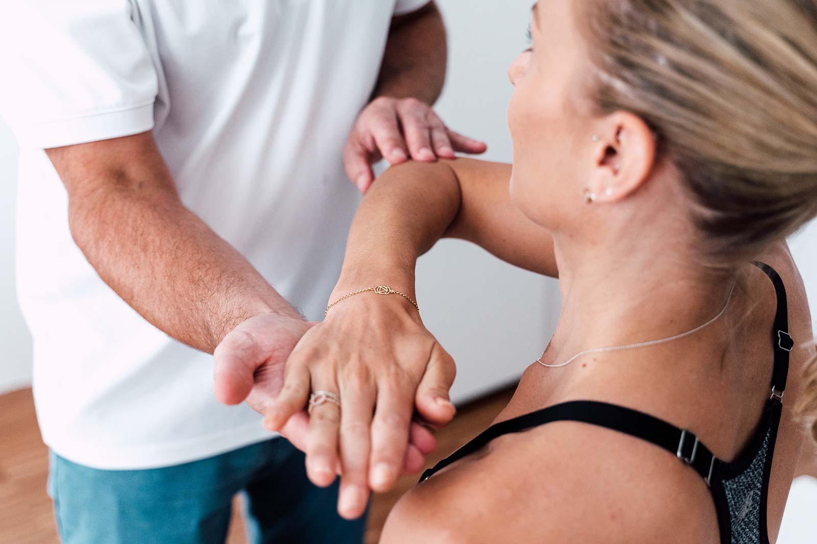 Korrekte Behandlung bei Schulterluxationen bei OA Dr. Dominik Meraner